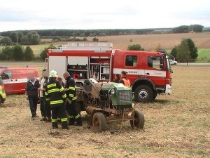 nehoda-konecchlumi-traktoriada-3