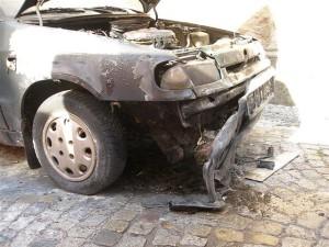 pozar-auta-skoda-felicia-broumov-2