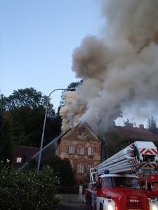 pozar-strechy-rodinneho-domu-vrchlabi-3