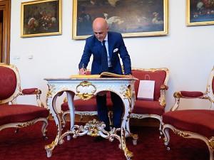 navsteva-italeskeho-velvyslance-v-hradci-kralove-2