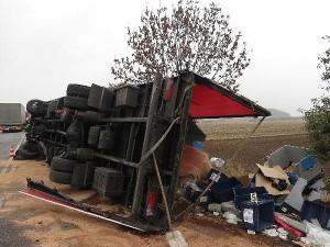 nehoda-kamionu-dolany-svinistany-2