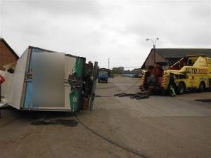 nehoda-kamionu-prevazejiciho-mleko-dobra-voda-u-horic-1