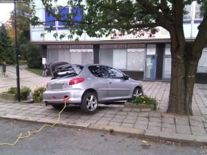 nehoda-parkovani-peugeot-nove-mesto-3
