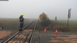 nehoda-stret-traktoru-s-vlakem-ocelice-rychnovsko-3