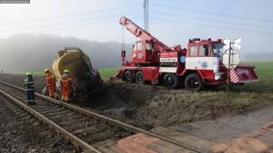 nehoda-stret-traktoru-s-vlakem-ocelice-rychnovsko-7