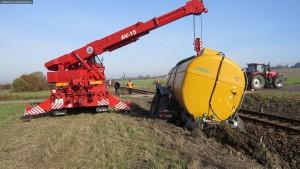 nehoda-stret-traktoru-s-vlakem-ocelice-rychnovsko-8