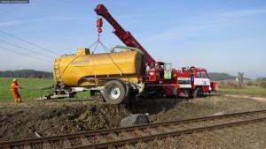nehoda-stret-traktoru-s-vlakem-ocelice-rychnovsko-9