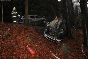 nehoda-na-rychnovsku-auta-zacala-horet-3