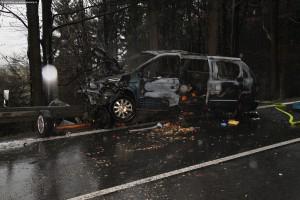 nehoda-na-rychnovsku-auta-zacala-horet