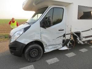 nehoda-srazka-tri-vozidel-hradecko-2