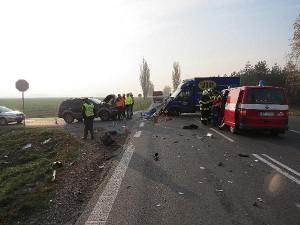 nehoda-srazka-tri-vozidel-hradecko