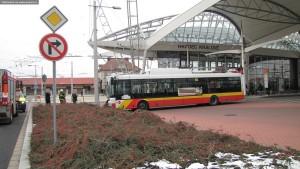 nehoda-trolejbusu-hradec-kralove-25-11-2015-3