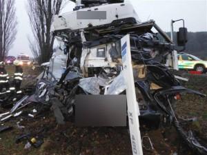 dopravni-nehoda-konecchlumi-podhorni-ujezd-streda-16-12-2015-2