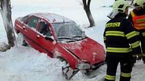 dopravni-nehoda-leznik-6-1-2016