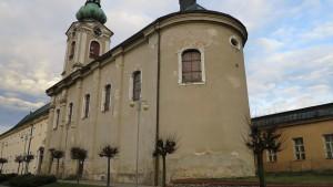 kostel-milosrdnych-bratri-v-novem-meste-nad-metuji-1