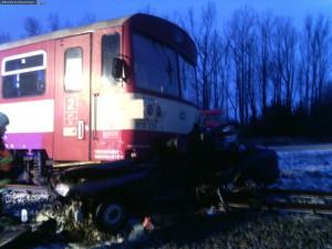 nehoda-rychnovsko-stret-auta-s-vlakem-13-1-2016-1