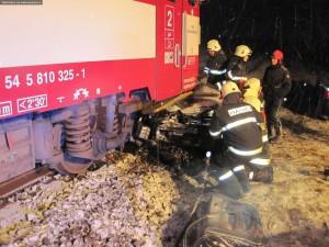 nehoda-rychnovsko-stret-auta-s-vlakem-13-1-2016-5