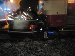 nehoda-rychnovsko-stret-auta-s-vlakem-13-1-2016-6