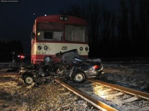 nehoda-rychnovsko-stret-auta-s-vlakem-13-1-2016-8