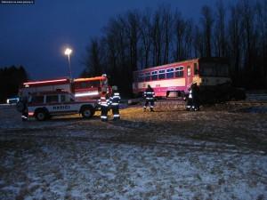 nehoda-rychnovsko-stret-auta-s-vlakem-13-1-2016-9