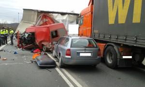 dopravni-nehoda-obchvat-jicina-2-2-2016-3