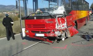 dopravni-nehoda-autobusu-kneznice-10-3-2016