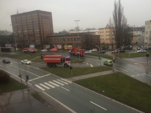 dopravni-nehoda-prevraceny-kamion-hradec-kralove-m-d-rettigove-3-3-2016-1