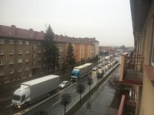 dopravni-nehoda-prevraceny-kamion-hradec-kralove-m-d-rettigove-3-3-2016-4