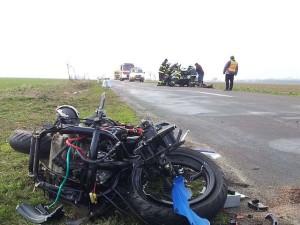 nehoda-s-umrtim-motorkare-chlumec-nad-cidlinou-11-3-2016-1