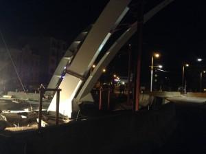 vystavba-krizovatky-koruna-hradec-kralove-vztyceni-stozaru-koruny-21-5-2016-5