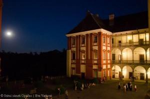 zamek-opocno-nocni-foto-2