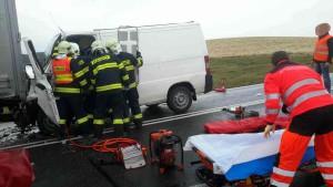 dopraveni-nehoda-ostretin-2
