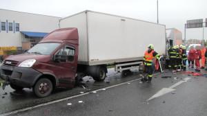 dopravni-nehoda-hradec-kralove-na-rybarne-rasinova11