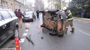 dopravni-nehoda-hradec-kralove-komenskeho-10-11-2016-1