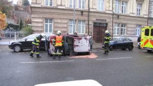 dopravni-nehoda-hradec-kralove-komenskeho-10-11-2016-3