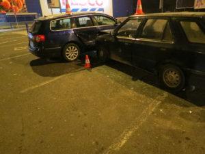 dopravni-nehoda-parkoviste-tesco-jicin-2
