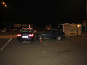 dopravni-nehoda-parkoviste-tesco-jicin