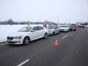 Hromadná dopravní nehoda I/33 - Hradec Králové - Jaroměř - 24.1.2017