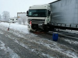 dopravni-nehoda-sobotka-2-1-2017-1