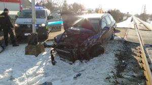 Srážka osobního vozu Škoda Octavia s vlakem