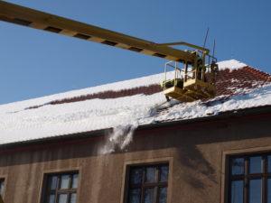 Sundávání sněhu - Skřivany - Foto Stanice Nový Bydžov