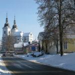 Město Žamberk - Kostel svatého Václava - na pravé straně budova muzea