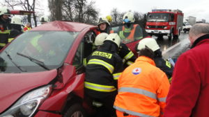 dopravni-nehoda-17-03-06-silnice-i-33-hradec-kralove-jaromer-1