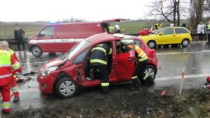 dopravni-nehoda-17-03-06-silnice-i-33-hradec-kralove-jaromer-2