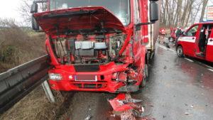dopravni-nehoda-17-03-06-silnice-i-33-hradec-kralove-jaromer-6