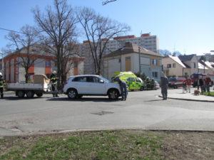 dopravni-nehoda-bezrucova-na-rybarne-hradec-kralove-28-3-2017