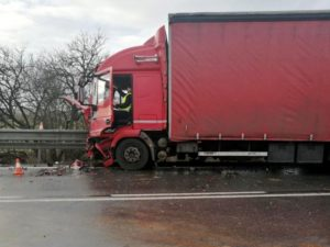 dopravni-nehoda-i-33-lochenice-6-3-2017-2