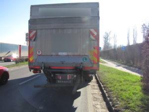 dopravni-nehoda-pilnackova-a-bedrny-hradec-kralove-28-3-2017-3