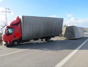 dopravni-nehoda-silny-vitr-horice-2-3-2017-2