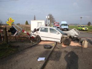 zeleznicni-dopravni-nehoda-cernozice-30-3-2017-1
